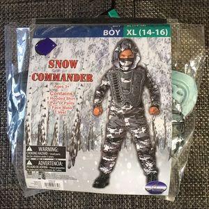 Costumer snow commander boy size XL new
